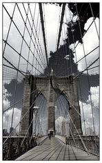 Brooklyn Bridge - Richtung Manhattan