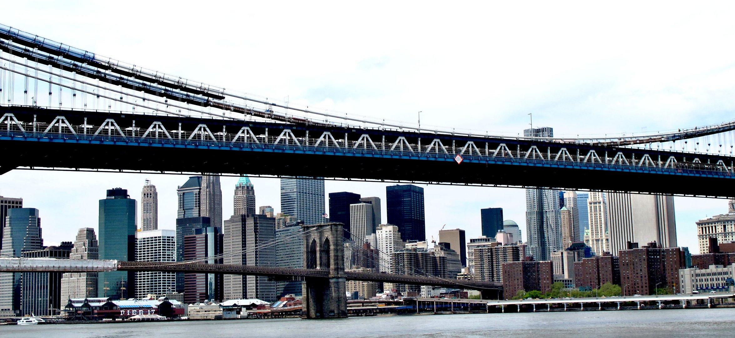 Brooklyn Bridge unter der Manhattan Bridge