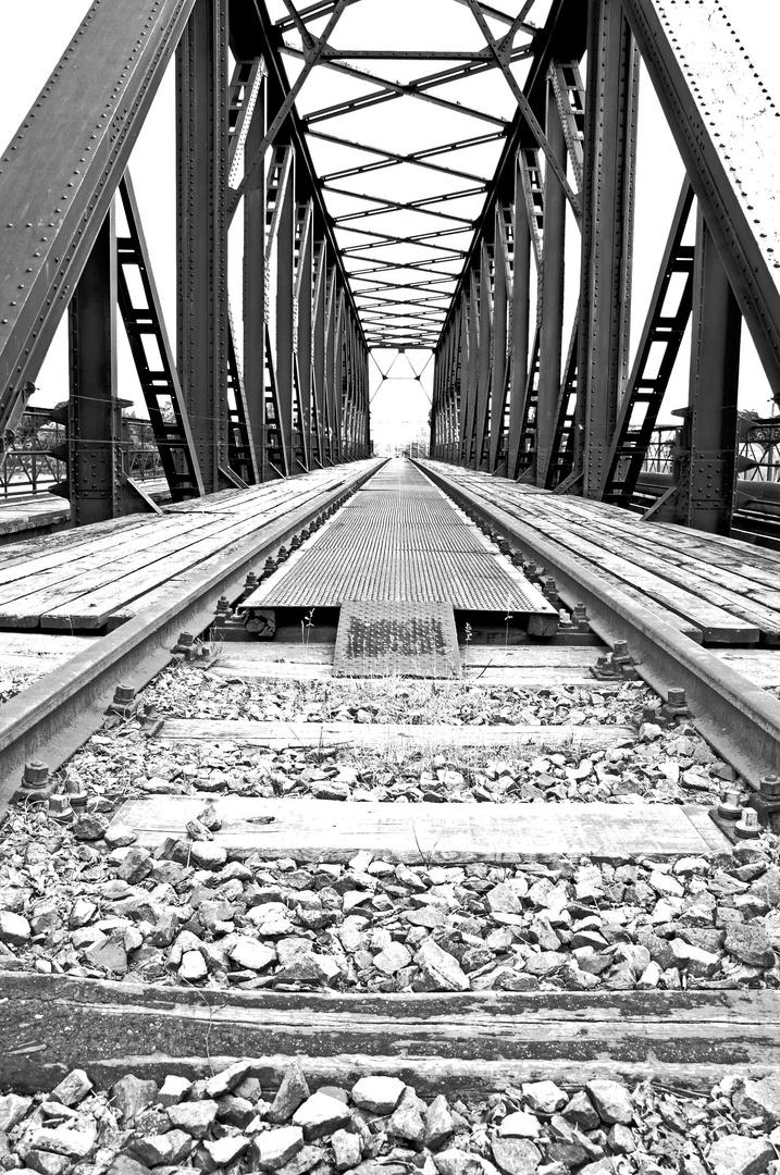 Brücke 9.