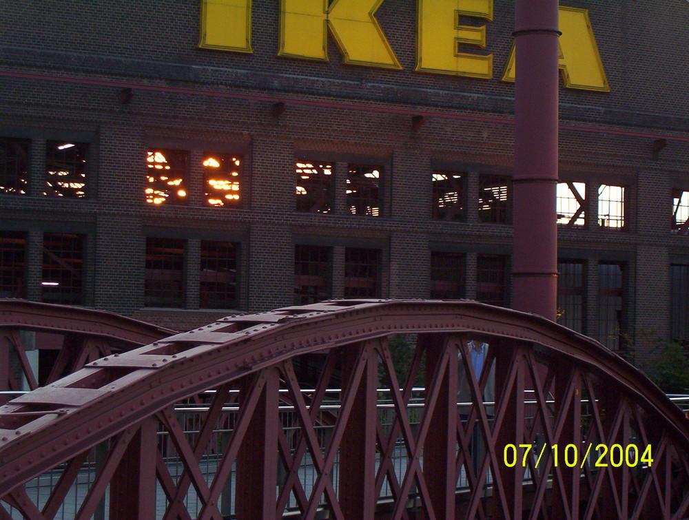 Brücke am Coloseum bei Sonnenuntergang