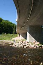 Brücke am Harrasfelsen