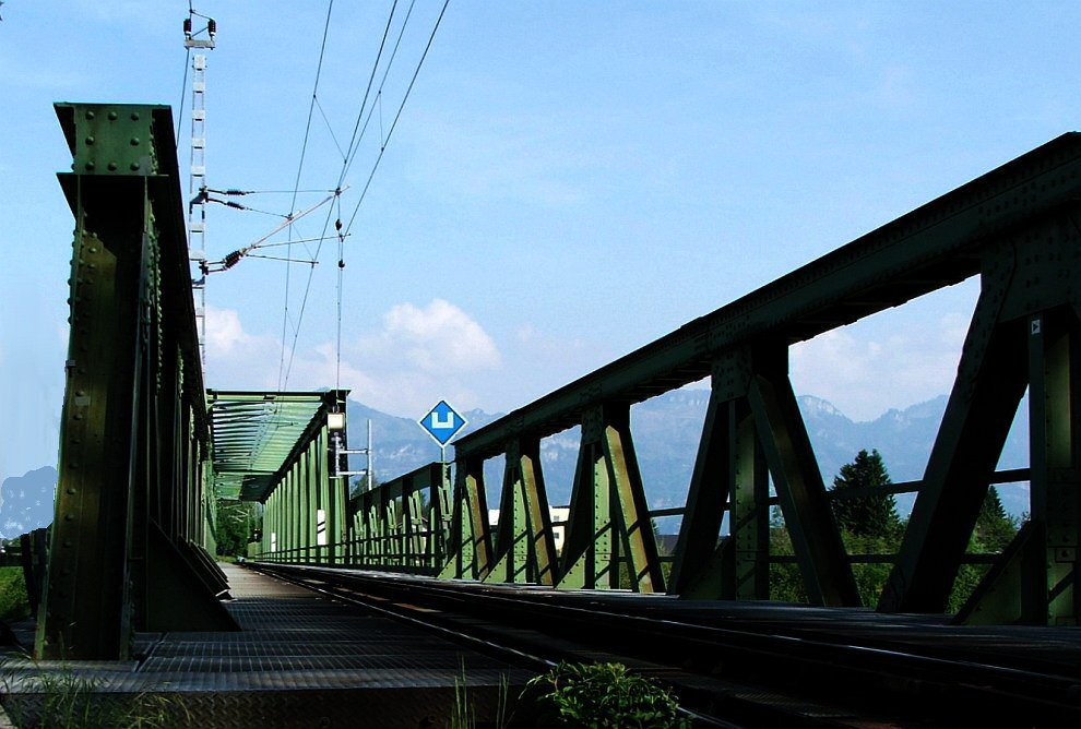 Brücke ans Licht