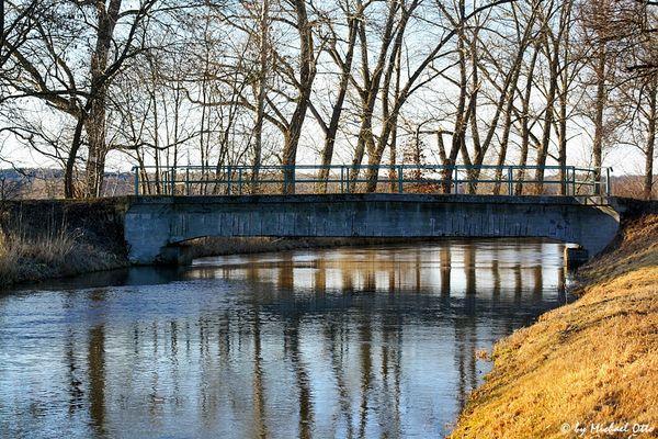 Brücke .....