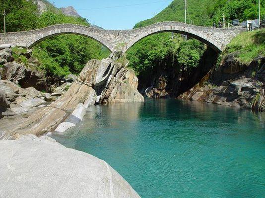 Brücke bei Lavertezza Tessin