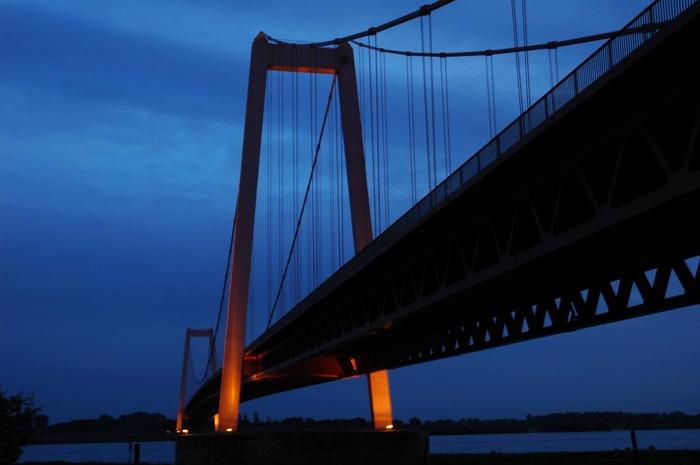 Brücke bei Nacht 2
