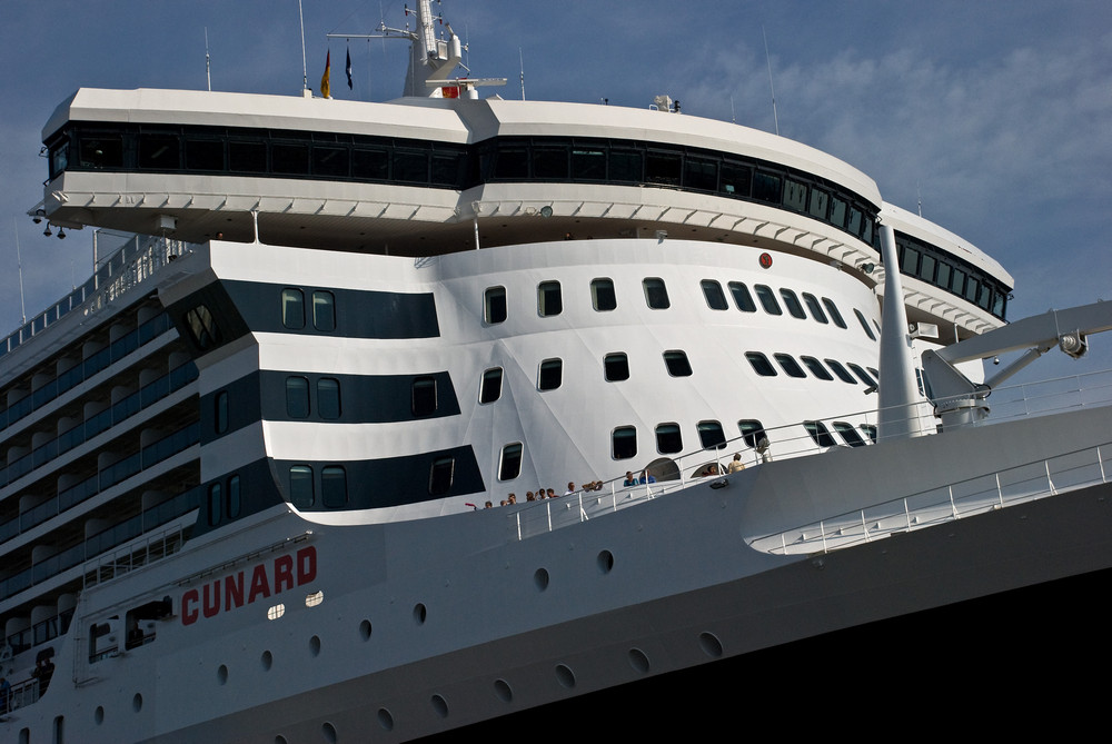 Br cke der queen mary 2 foto bild deutschland europe for Garderobe queen mary 2