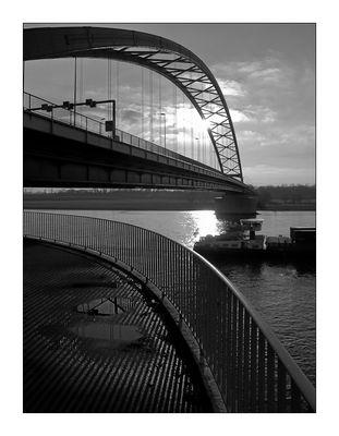 Brücke der Solidarität in Duisburg Rheinhausen
