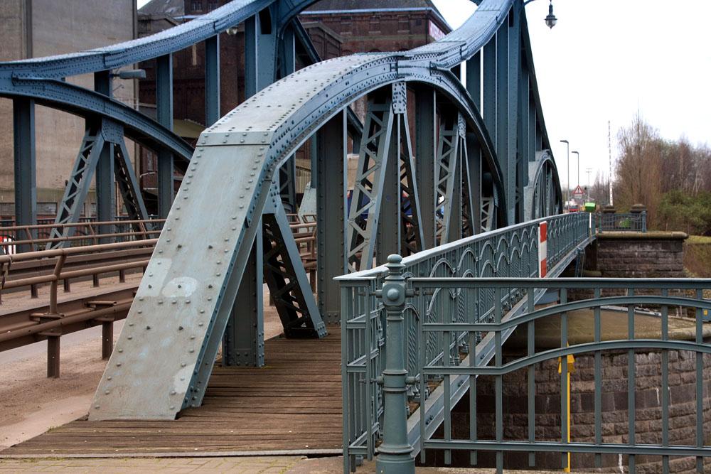 Brücke im Krefelder Hafen