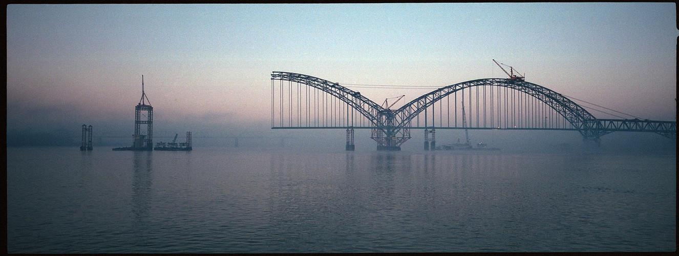 Brücke im Morgenlicht