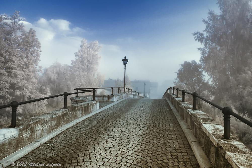 Brücke im Nebel IR