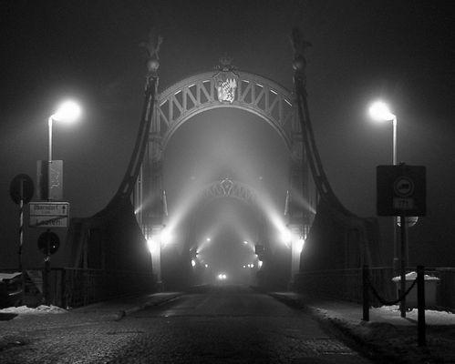 Brücke im Nebel, nachbearbeitet