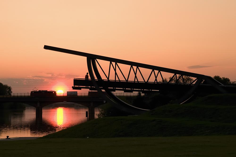 Brücke in das Nichts