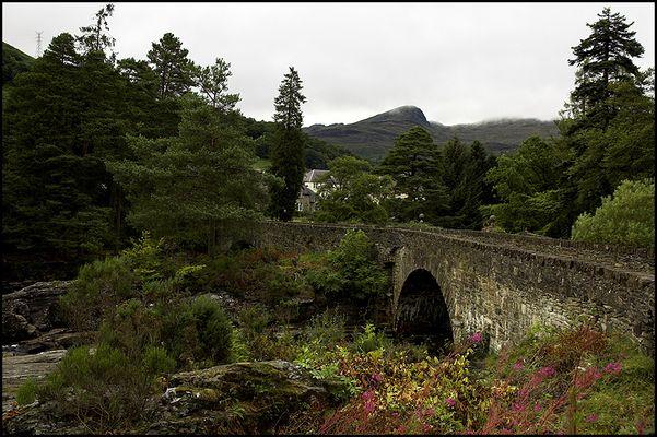 Brücke in den Highlands