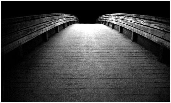 Brücke ins Ungewisse