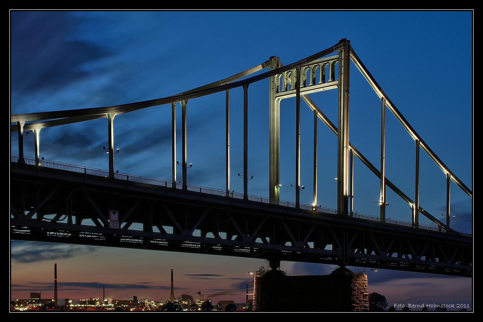 Brücke Krefeld Uerdingen ....