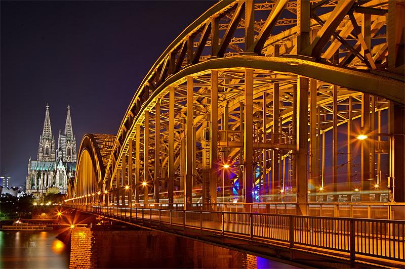 Brücke mit Dom