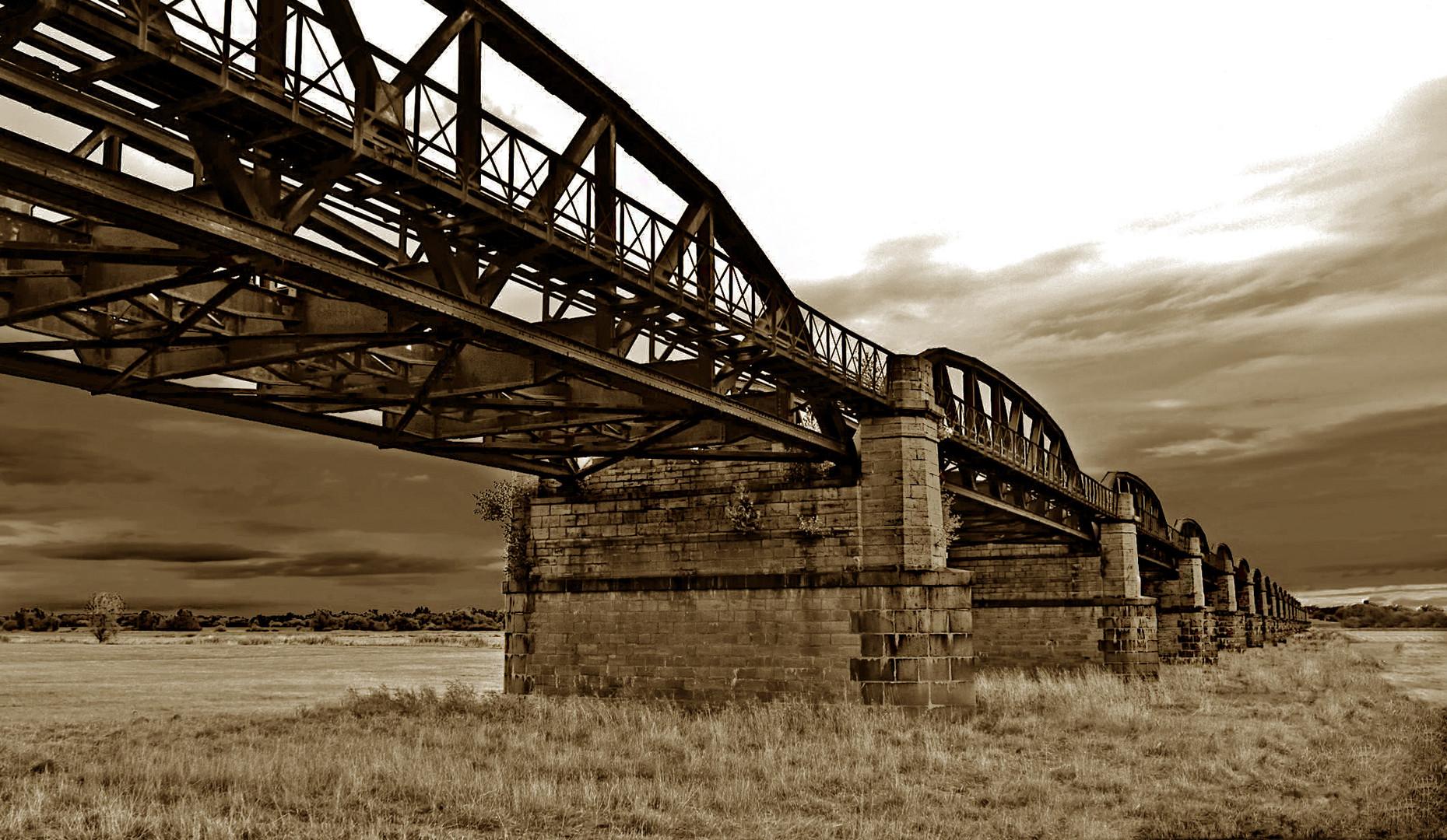 °°°° Brücke nach Dömitz....°°°°