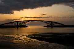 Brücke über das Licht / Light Bridge