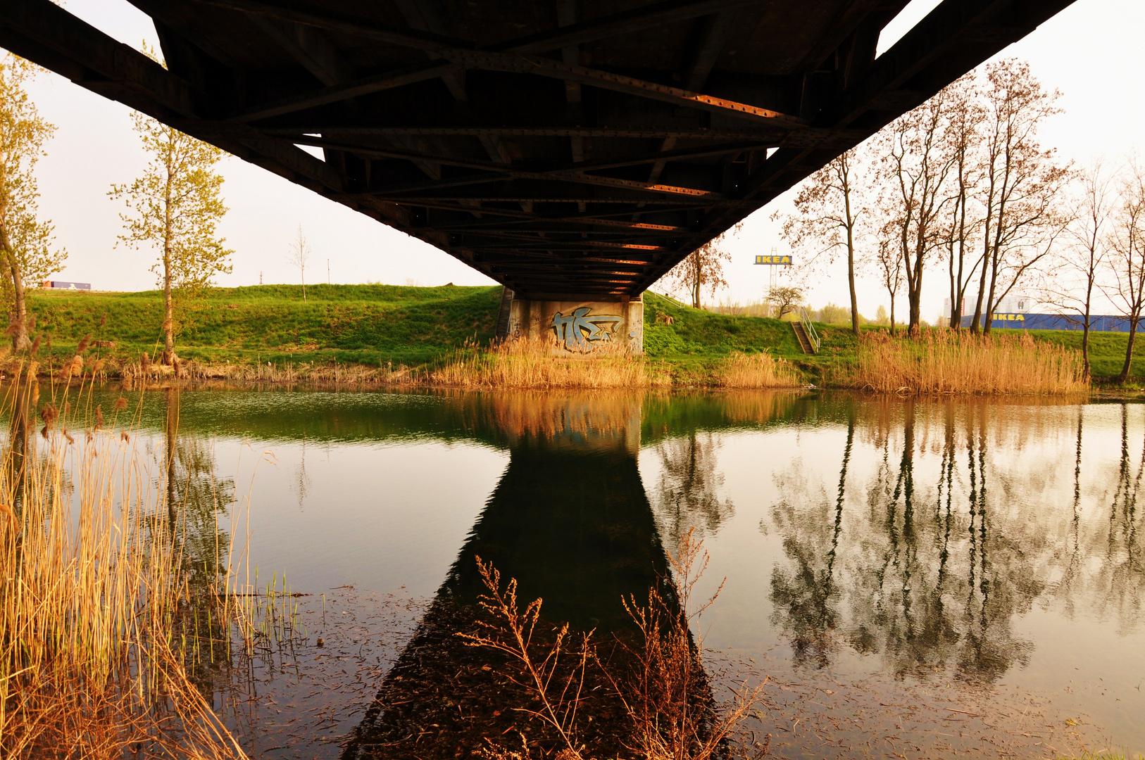 Brücke über den Elster-Saale-Kanal
