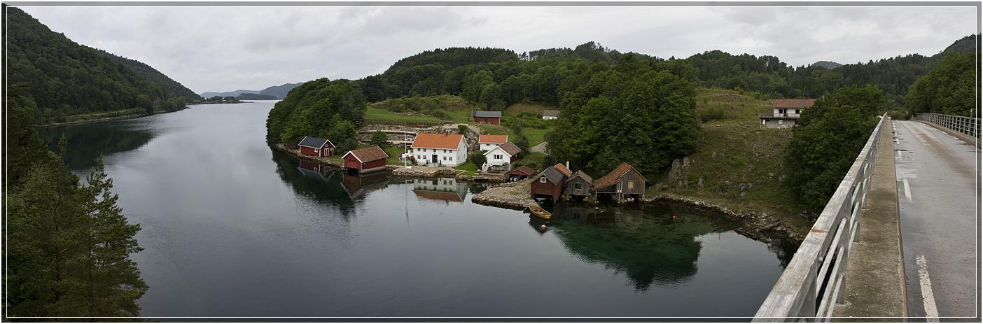 Brücke über den Fjord