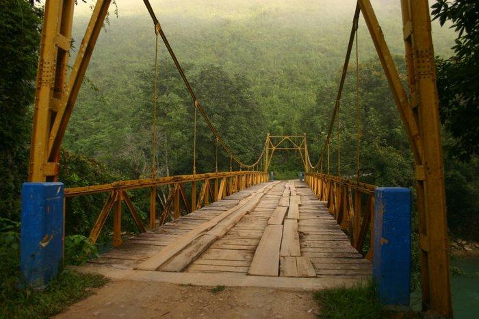 Brücke über den Rio Caabon