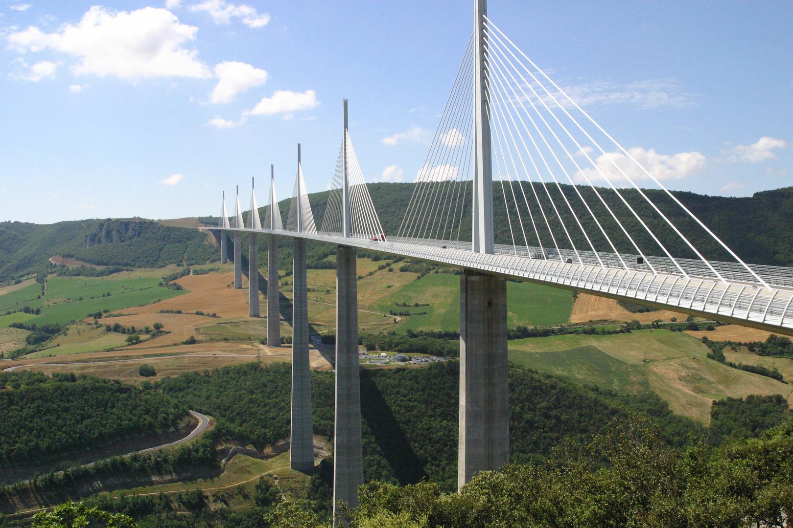 Brücke über den Tarn bei Millau