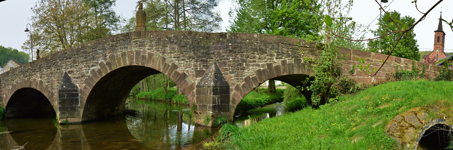 Brücke über der Prüm