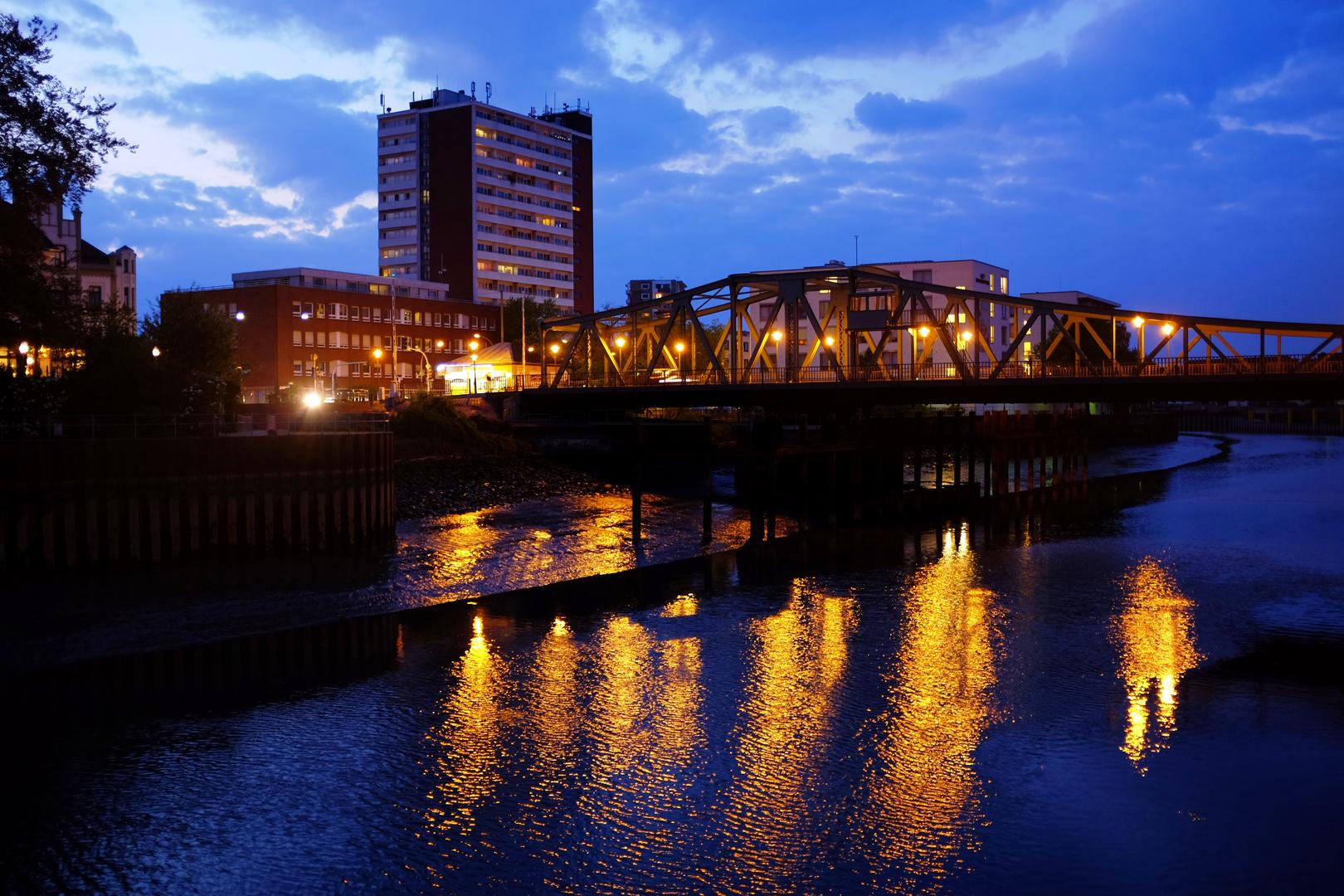 Brücke über die Geeste / Bremerhaven