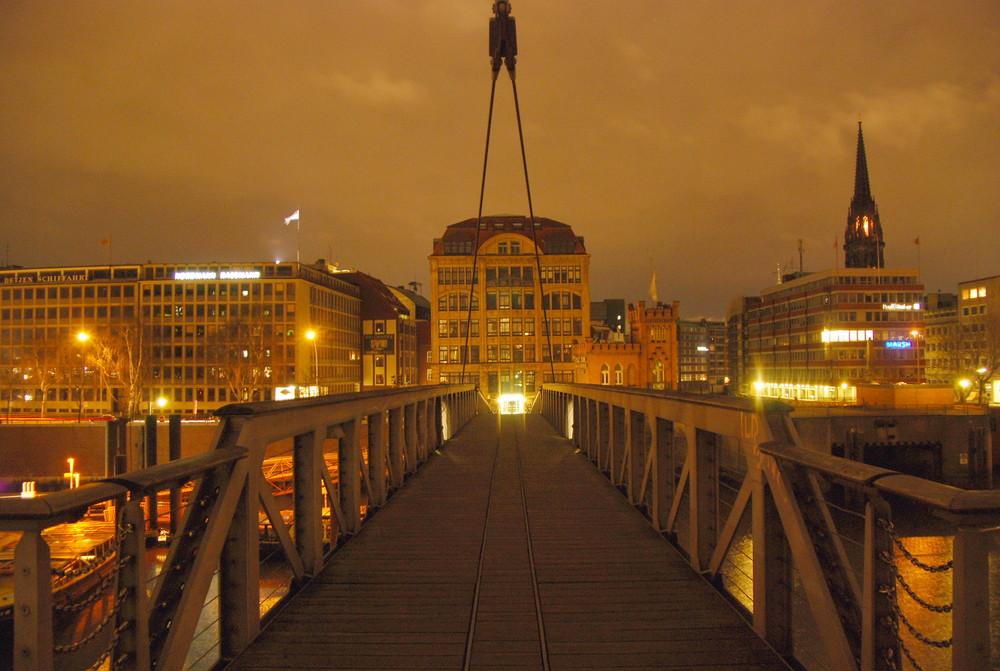 Brücke von der City in die Speicherstadt