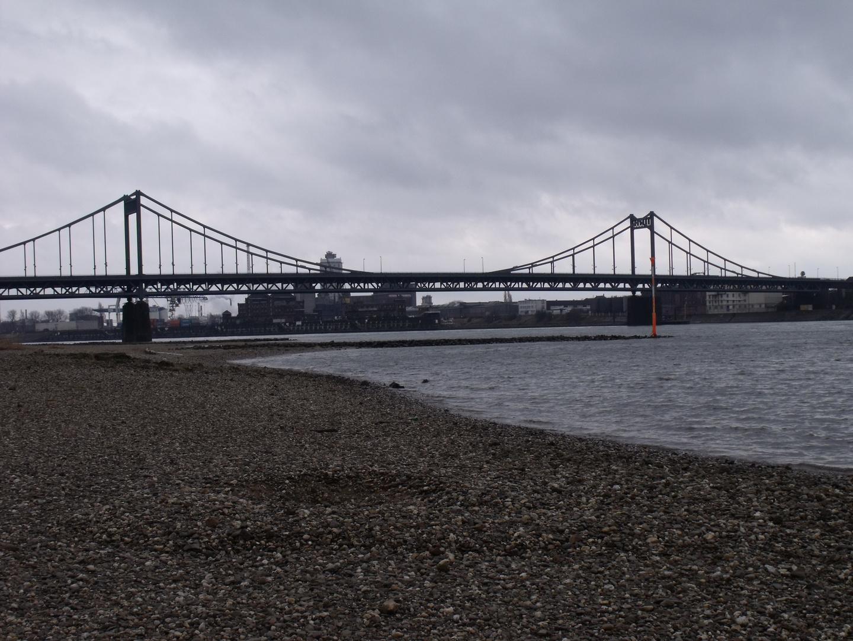 Brücke von Krefeld Linn