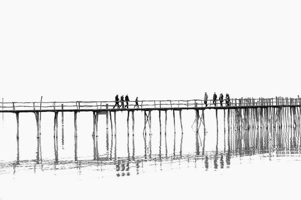 Brücke zu den Pfahlbauten