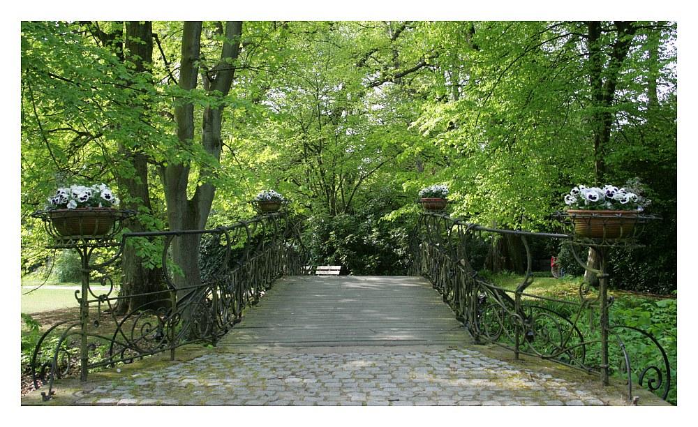 Brücke zum Rosengarten