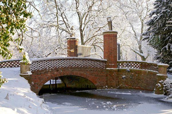 Brücke zum Schloss...
