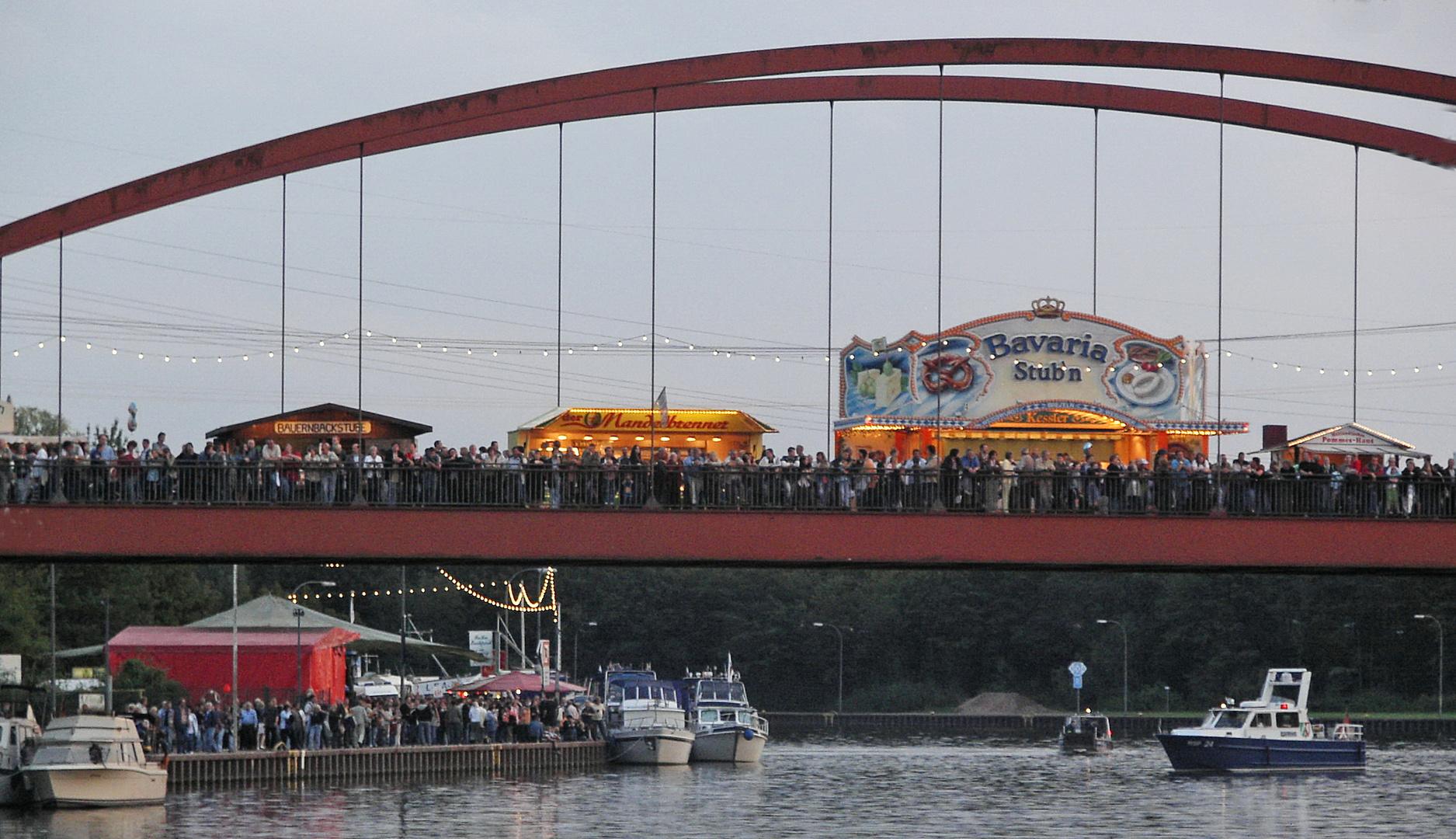 Brücken-Fest   mit  Brücken-Test !