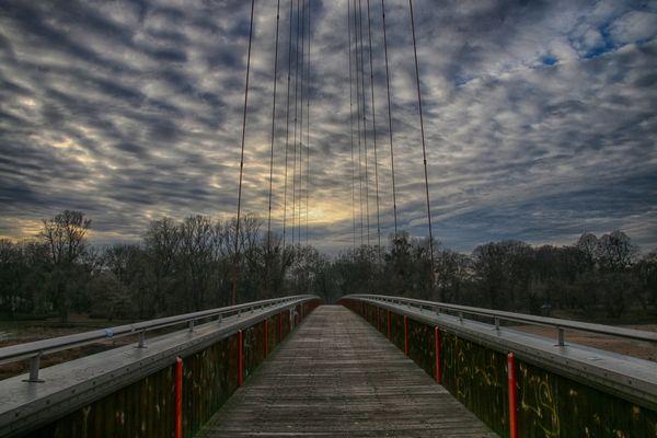 Brücken schlagen...