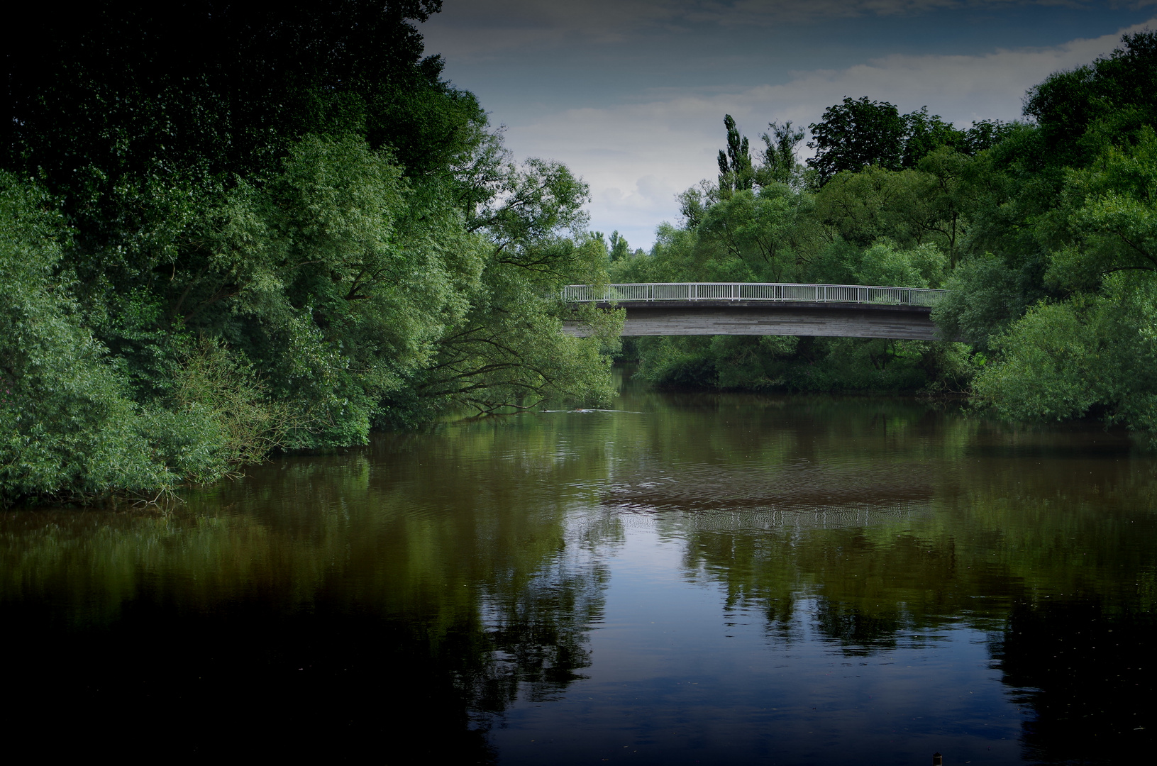 Brücken verbinden.