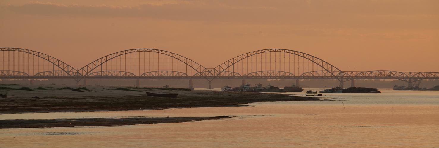 Brücken von Mandalay/ Bridges of Mandalay