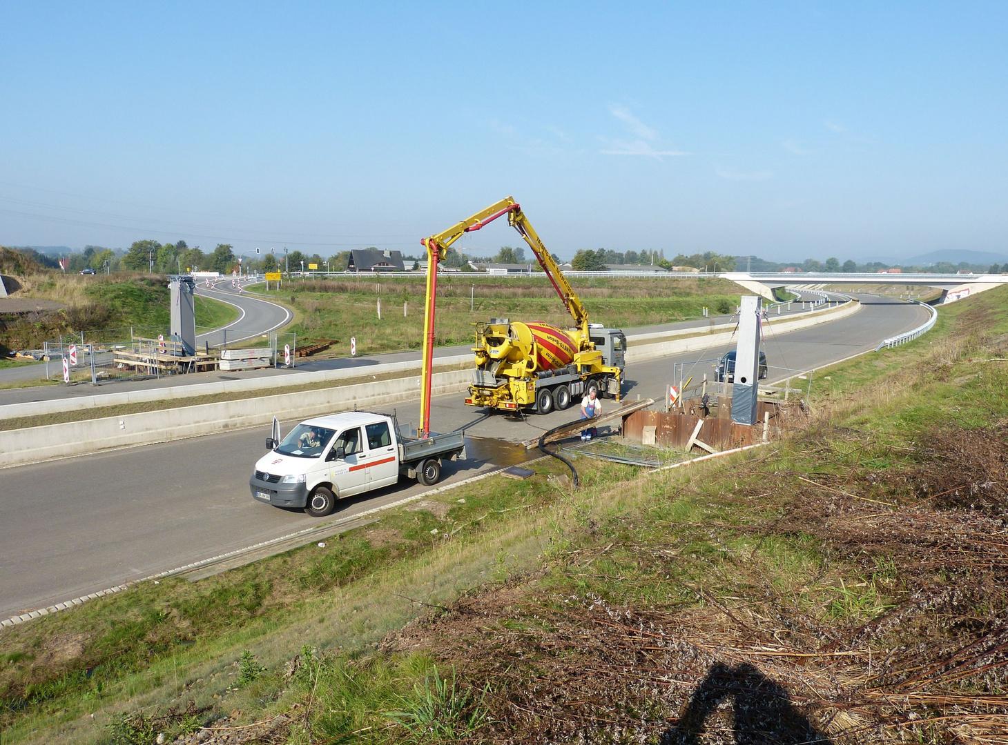 Brückenbaustelle (BW 26) an der Dehmer Autobannspange
