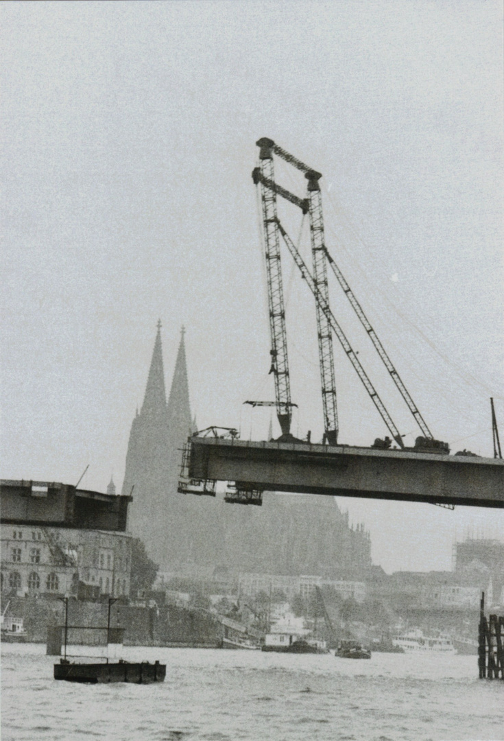 BRÜCKENSCHLUSS - Bau der Severinsbrücke Köln Anfang 1959