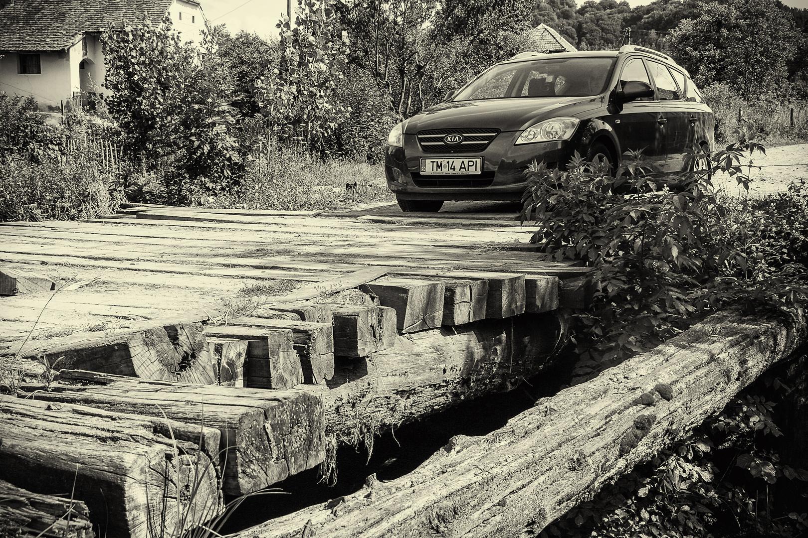 Brückenüberquerung in Mortesdorf