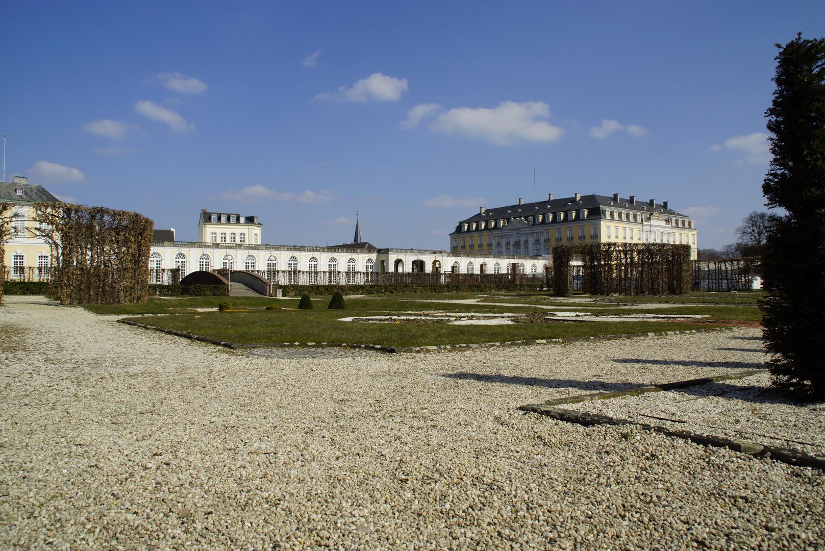 Brühl Park mit Schloss