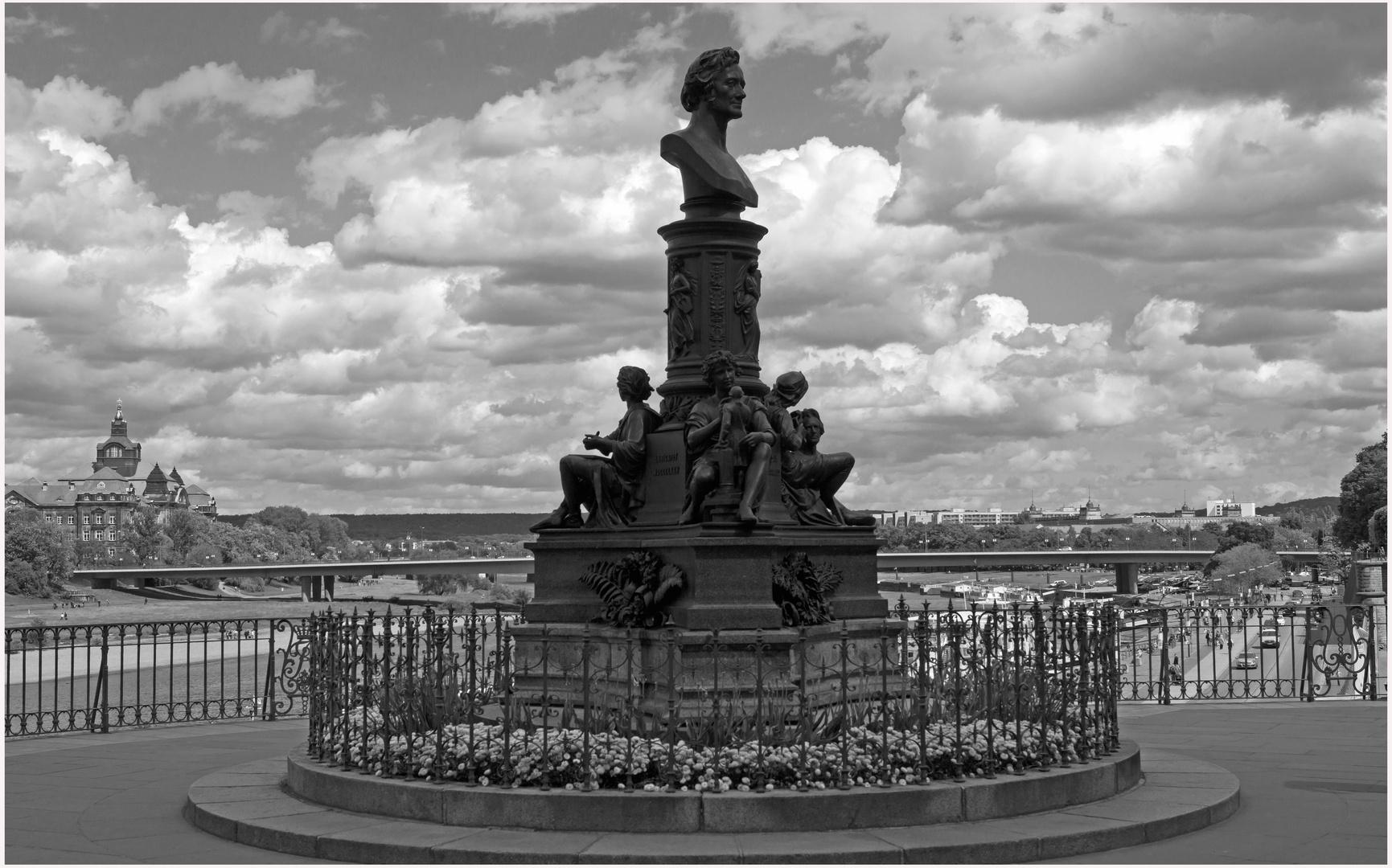 Brühlsche Terrasse...