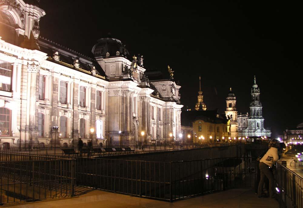 Brühlsche Terrasse bei Nacht