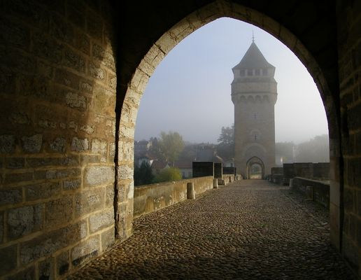Brume matinale sur le pont Valentré