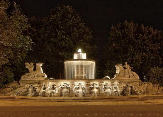 Brunnen am Lenbachplatz...