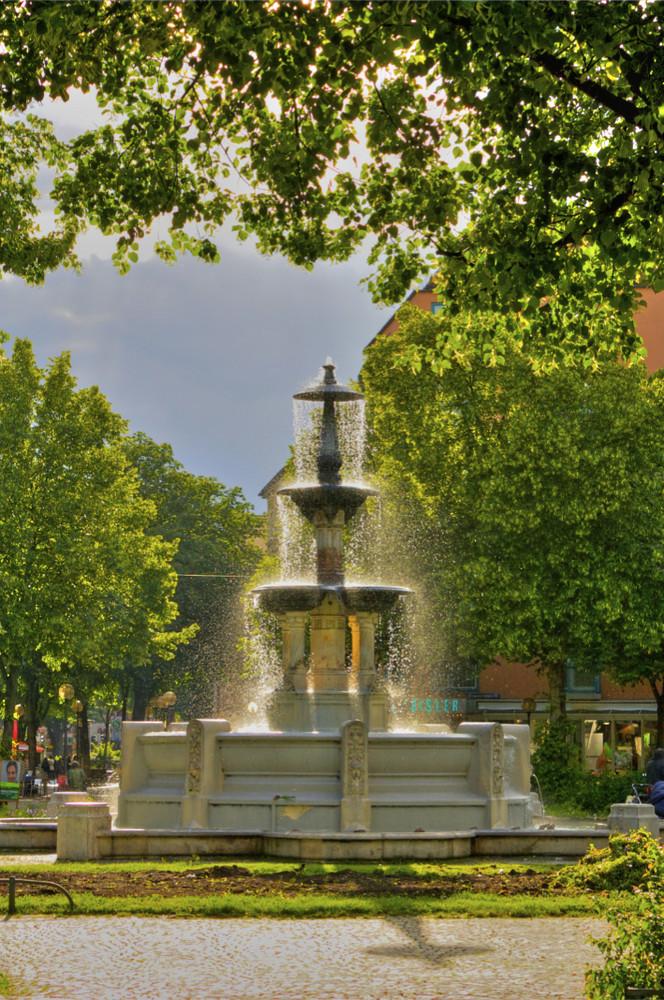 Brunnen am Weissenburger Platz