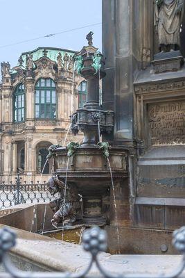 Brunnen am Zwinger