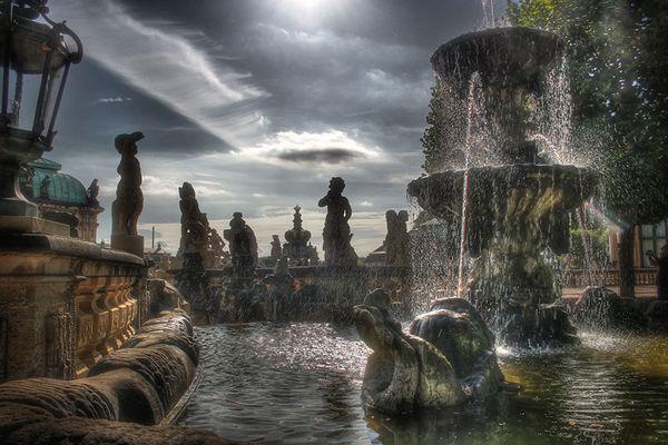 Brunnen auf dem Zwinger Gelände
