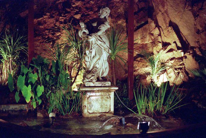 Brunnen.