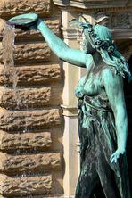 Brunnen-Figur Hygieia
